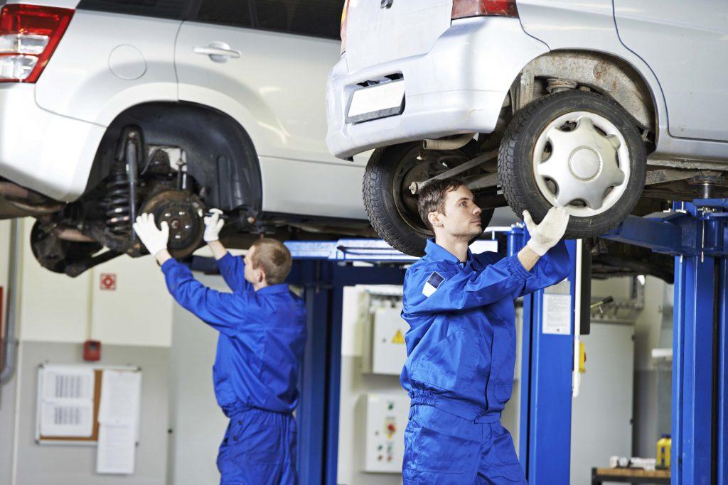 mechanics undergoing MOT checks